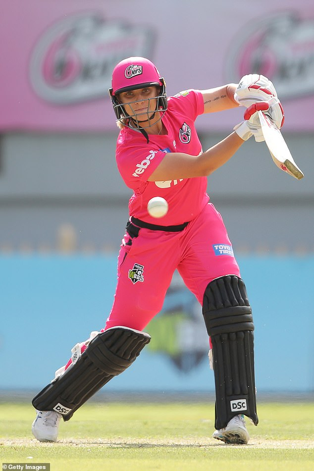 Ashleigh Gardner is one of five indigenous players in the WBBL. She's pictured playing for the Sydney Sixers at North Sydney Oval on November 7