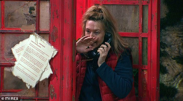 Ring ring!Kiosk Cledwyn called camp for the first time, Victoria answered the phone and he asked them what percentage of Brits talk about the weather at least once a day, a/ 26% or b/44%