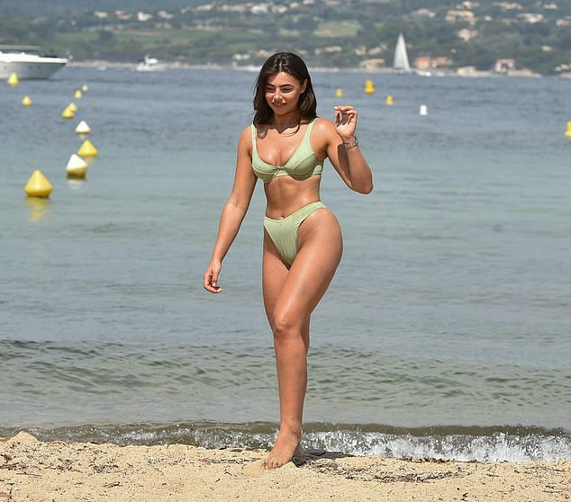 Oh my!Francesa - arguably the most trendy Love Island contestant of all time - looked incredibly chic in the retro style bikini which showed her best bits