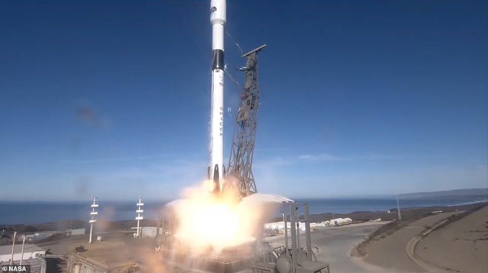 The rocket carried a joint US-European satellite that will monitor sea levels for the next three decades.