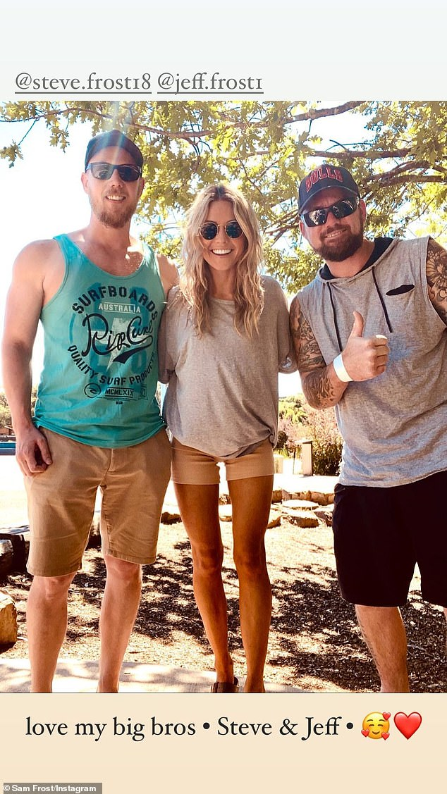Cute:Sam later posed with her two older brothers Steve and Jeff, where she wrote: 'Love my big bros'