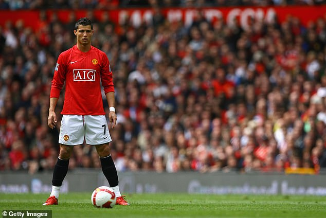 Hebelieves Fernandes' impact at Man United is on a par with Ronaldo in his Old Trafford pomp