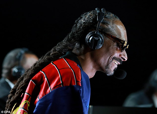 Snoop Dogg provided color commentary at the event, garnering social media praise for his humorous remarks