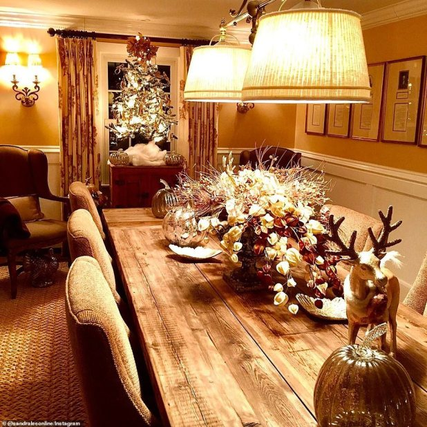 Lee shared this photo on Wednesday, showing how he decorated his dining room for the holidays with Christmas tree and reindeer decorations.