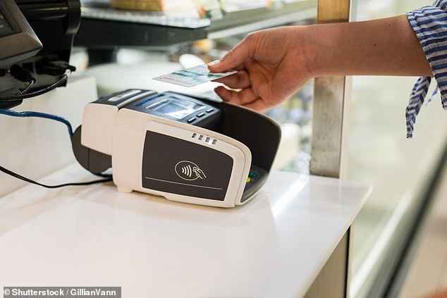 To stop the spread of Covid-19, many shops have put a ban on cash payments and require customers to pay with a debit or credit card