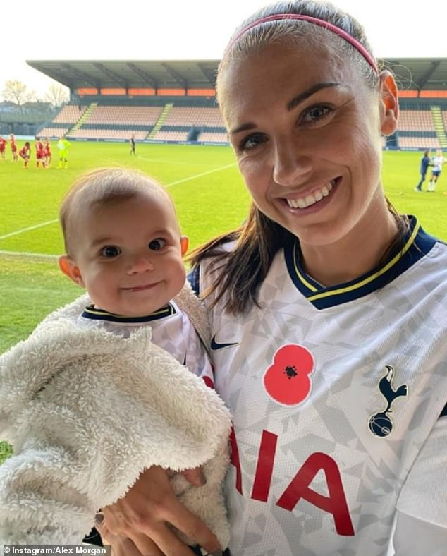 Multinational baby! Alex had joined the Spurs in September, bringing along her little girl