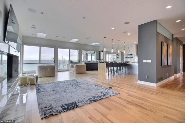 Wow: Khloe Kardashian's on-off beau Tristan Thompson markets his grand Ohio mansion for $ 3.25 million, following a new two-year signing, a $ 19million deal with Boston Semantics