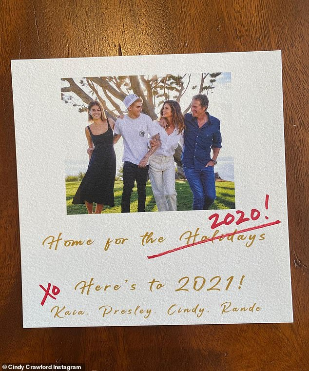 Christmas With The Crawfords 2021 Cindy Crawford Is Figuring Out Ways To Make New Year S Eve At Home Feel Special Amid Pandemic Sound Health And Lasting Wealth