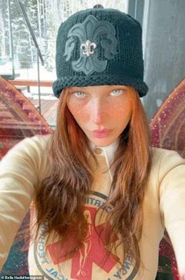 Hats off: The 24-year-oldalso took to her Insta Story with a freckle-filtered selfie of the look capped off with a black knit fleur-de-lis beanie