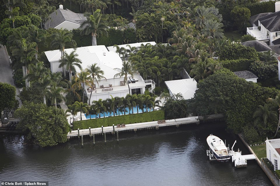 Florida real estate developer Todd Michael Glaser intends to demolish the existing house and build a new one. The house has170 feet of water frontage on the Intracoastal Waterway and space for a private dock
