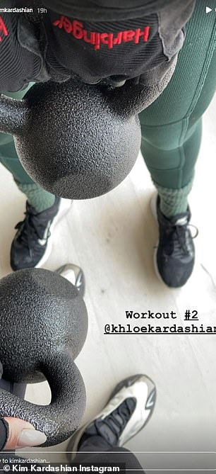 She worked out with kettlebells in another session with her sister Khloe