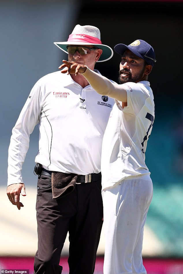 Siraj stopped play to make a formal complaint to officials aboutsome spectators in the bay behind his fielding position at the Sydney Cricket Ground on Sunday