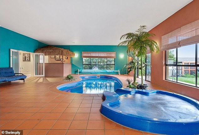 There are inside and outside pools available on the platform - and all promise privacy
