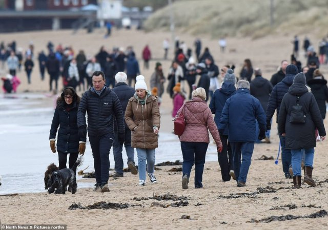 Hordes of visitors were spotted having a stroll on Tynemouth Longsands beach in North Tyneside. Car parks in the area were packed as families descended on the coastal beauty spot for a Sunday walk