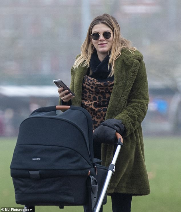 Ashley James gives birth!   Daily Mail Online