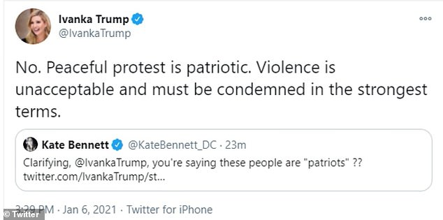 Más tarde borró su tweet y escribió 'La violencia es inaceptable y debe ser condenada en los términos más enérgicos'.