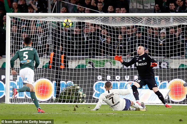 Stephane Ruffier was sacked by Saint-Etienne earlier this month and is now a free agent
