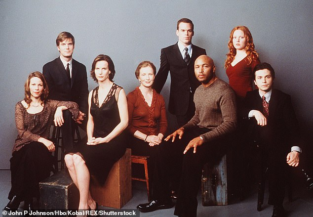 Family: The series debuted in June 2001 on HBO, following the Fisher family, owners of Fisher & Sons Funeral Home