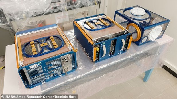 The Rodent Research hardware system includes three modules: (left) vas, (center) transporter, and (right) animal access unit.  Credit: NASA / AIIMS Research Center / Hertz