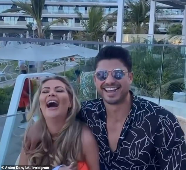 Love Island'sShaughna Phillips andAnton Danyluk send fans wild as they share flirty video