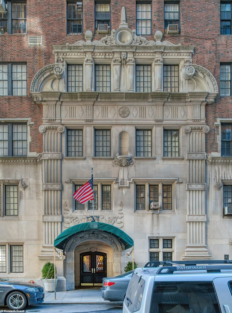 9) This 19-story Grand Dame was completed in 1929 and features a grandiose carved limestone entrance that extends to the middle of the fifth floor. Equally elaborate are the floral-paneled parapets and the corner carving of a ram's head. Past and current pennants include Samuel Newhouse, owner of Conde Nast Magazines, Lyman Bloomingdale, founder of Bloomingdale's department store and TV broadcaster, Mike Wallace