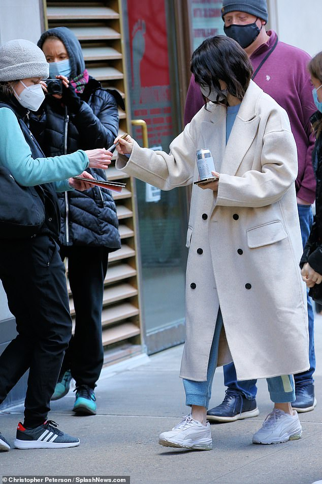 Signing autographs:COVID-19 is spiking nationwide with a reported 1.23M confirmed cases in New York state (542K in NYC) leading to over 40,376 deaths as of Sunday