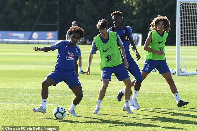 Piazon (centre) says he 'never had a chance' to shine at Chelsea because of the arrival of big-money players every summer
