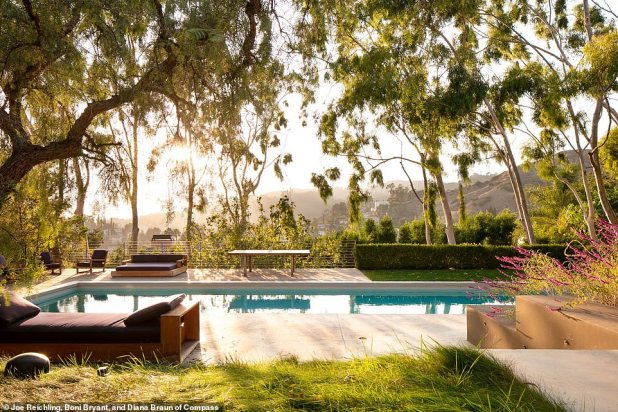 Home with a View: Ashley Tisdale recently purchased a $ 4.75 million Mediterranean-style villa with three bedrooms, three-and-a-half bathrooms and gorgeous views of the Hollywood Hills for her growing family.