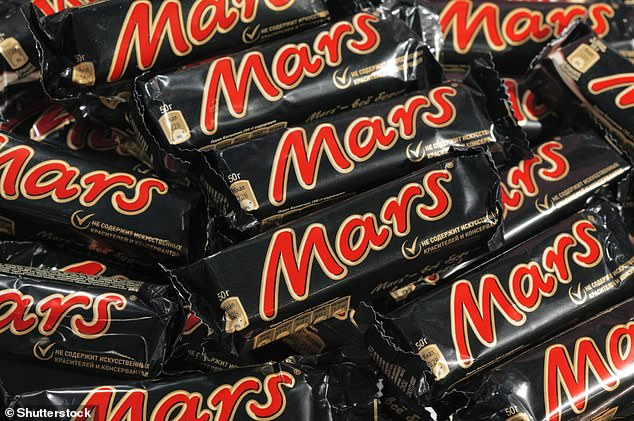 A diet supplemented with cocoa flavanols - naturally occurring compounds found in cocoa beans - may improve performance on a specific memory task, researchers report. Their study was in part funded by Mars Inc, which makes the Mars bar and many other popular chocolates