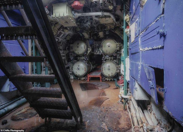 The four torpedo tubes at the stern, bringing the total to 10. According to H. I Sutton, a Royal Navy Trafalgar-class submarine has five torpedo tubes in total