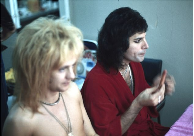 Roger and Freddie backstage somewhere in 1975. The new pictures appear in the latest edition of his book Queen In 3-D. The guitarist also designed the Owl – the viewer that comes with the book to allow readers to see the images in three dimensions