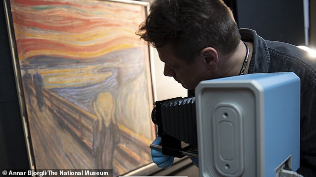 Infrared photography at the National Museum of Norway.Following years of speculation, curators at the National Museum of Norway have confirmed that a small and barely visible sentence on Edvard Munch's The Scream was penned by the artist himself