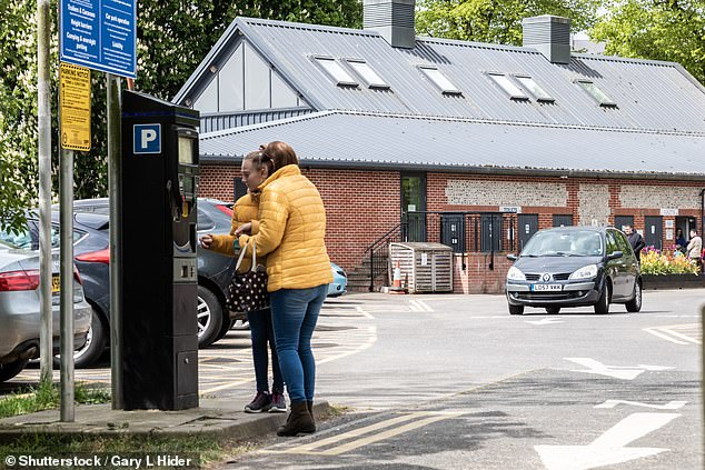 Motorists are being warned to stay vigilant when paying for parking, especially at pay-and-display machines following reports of fraudsters preying on unwitting drivers