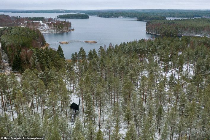 Studio Puisto says another 25 of these niliaitta-type cabins will be built in the area to form the Kivijarvi Resort