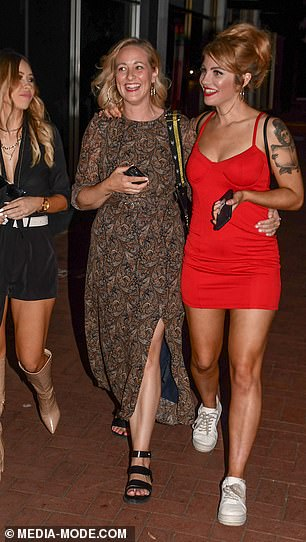 Three is not a crowd: The three ladies looked thrilled to be spending time together