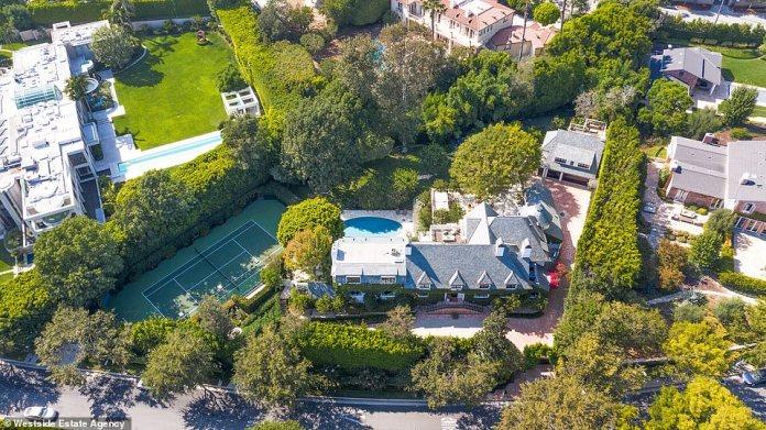 90210: Según la Westside Estate Agency, donde se incluye la casa, Ellen y Portia 'renovaron por completo' la casa ya asombrosa en 2020