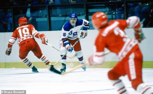 Pavelich provided the assistance to win the game in the defeat of the USSR in the game 'Miracle on Ice' in 1980 (February 1980 exhibition between the USA and the USSR in the photo)