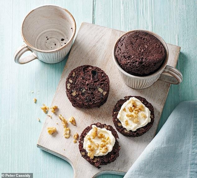 Chocolate & walnut muffin with cream cheese