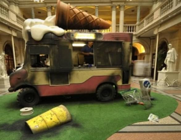 In 2009, Banksy snuck intoBristol's City Museum to set up his own exhibition