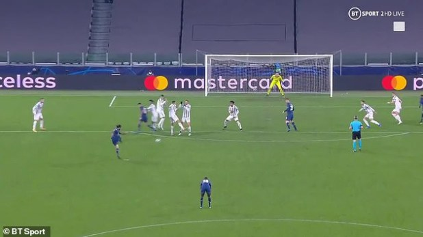 Ronaldo turned his back to the wall when Sergio Oliveira scored a low free kick in extra time