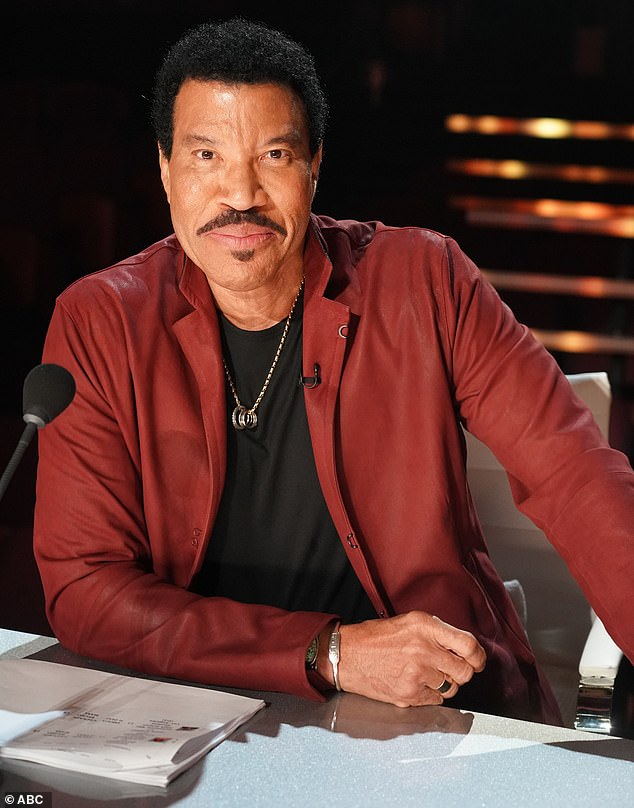 Duets round:In a first for the Hollywood Duets, Lionel Richie and the other judges not only chose each singer's partner, but advised contestants during rehearsals
