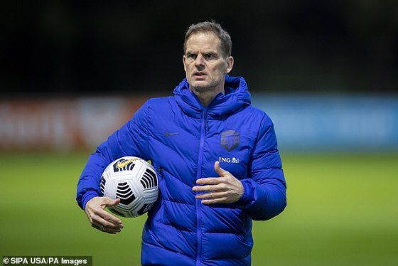 Frank de Boer has scheduled a pass on Virgil van Dijk and said he is eight weeks out