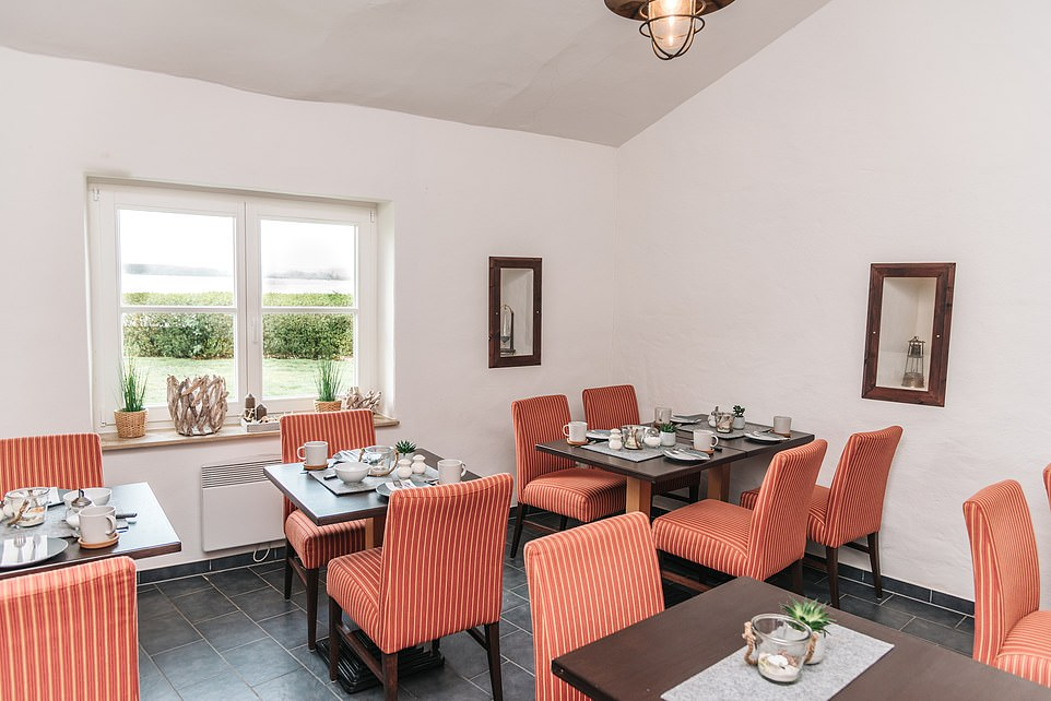 This images shows the breakfast room at Inselhus, which wants to 'bring guests closer to the unique atmosphere of the island'