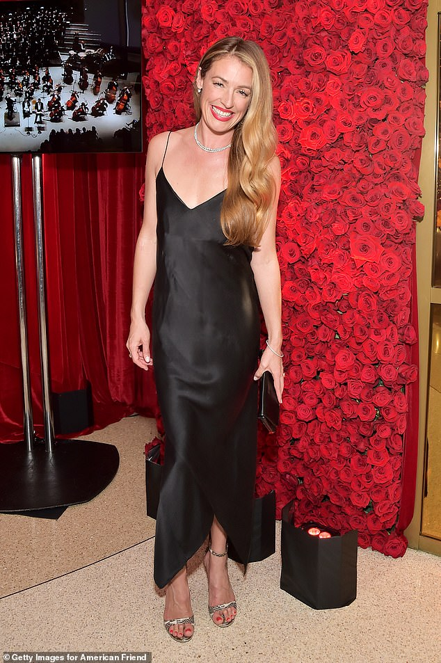 She's back!Cat Deeley will stand in for Lorraine Kelly on her ITV chat show over the Easter break, as she kicks off her return to UK TV after 14 years living in the US