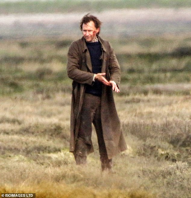 Location:Tom's character appeared to be injured as the actor could be seen sporting fake blood on his cheek for the scene