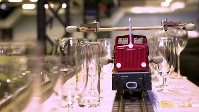 Model railway enthusiasts use lockdown to build record-breaking musical train