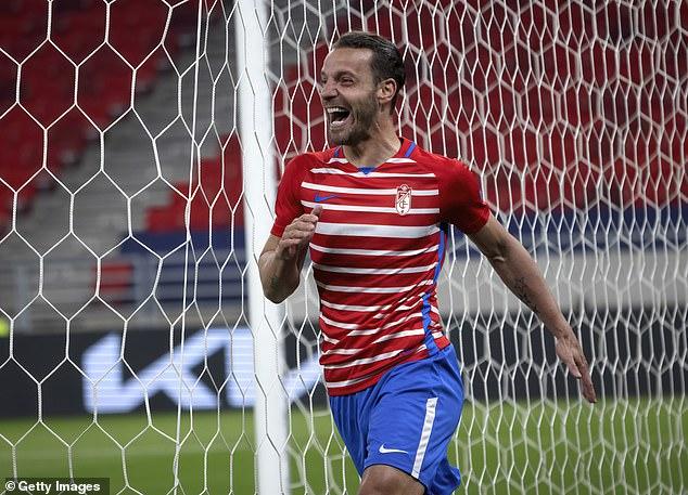 Roberto Soldado celebrates his goal against Molde in the last round of the Europa League