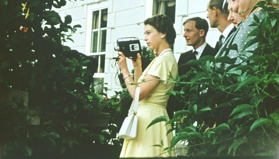 The young Queen films with a Cine camera at a private house, as a guest of the Governor General of New Zealand. She spent much of the visit in December 1953 filming with her beloved 16mm cine camera, enjoying being behind the lens for a change