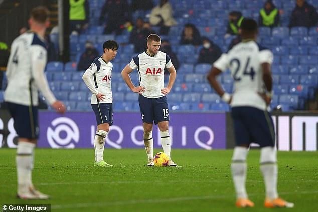 Los Spurs luchan por estar entre los cuatro primeros, pero se dice que Agüero está dispuesto a renunciar al fútbol de la Liga de Campeones la próxima temporada para permanecer en Inglaterra.
