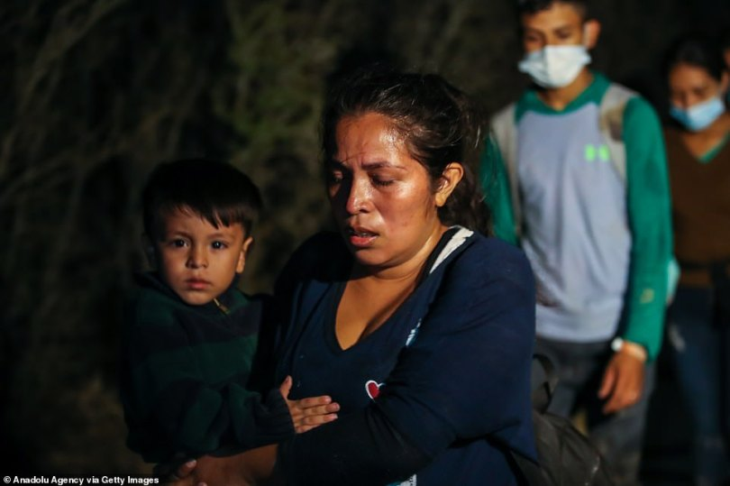 The number of migrants trying to cross the Mexican border to the USA jumped to 171,000 in March,the highest monthly number since 2006